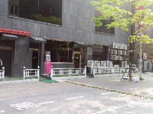 Tourist Hotel K