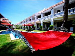 팜 그로브 호텔  (Palm Grove Resort)