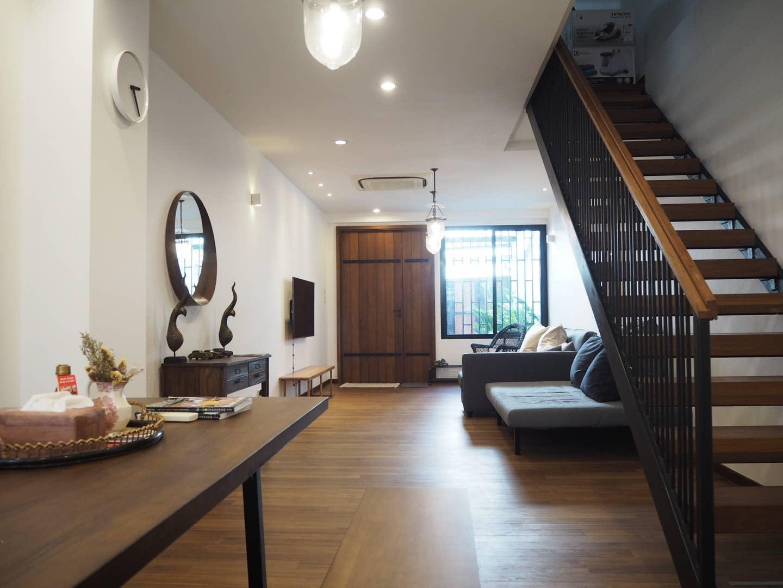 Splendid Wooden Furnished Home In Ekamai Thonglo