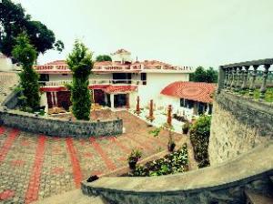 Summer House Resort