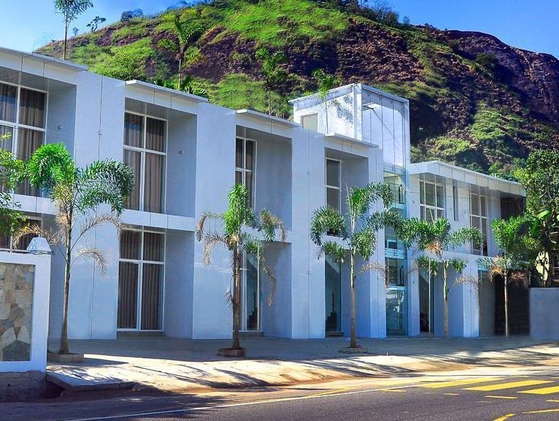 Pearlrich Hotel