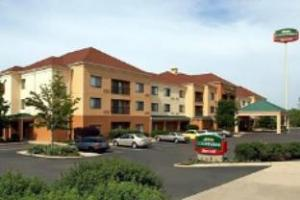 Courtyard By Marriott Willoughby Hotel