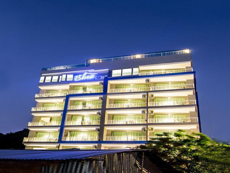 The Blue Hotel เดอะ บลู โฮเต็ล