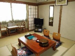 边境弗拉努伊温泉酒店 (Frontier Furanui Onsen)