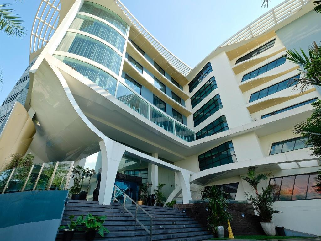 The Xtreme Hotel เดอะ เอ็กซ์ตรีม โฮเต็ล