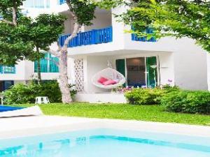 Chelona Hua Hin C105 Family 1 Bedroom Poolside