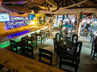 picture 5 of Jeepney Hostel and Kite Resort
