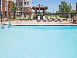 Staybridge Suites Tulsa-Woodland Hills
