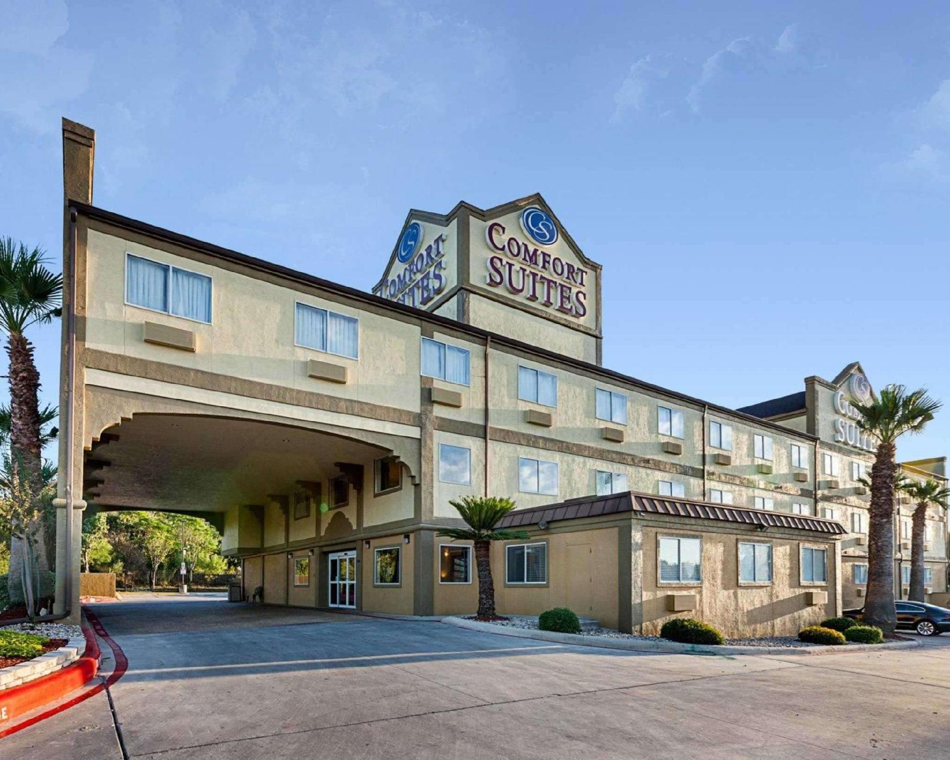 Comfort Suites Airport North Hotel