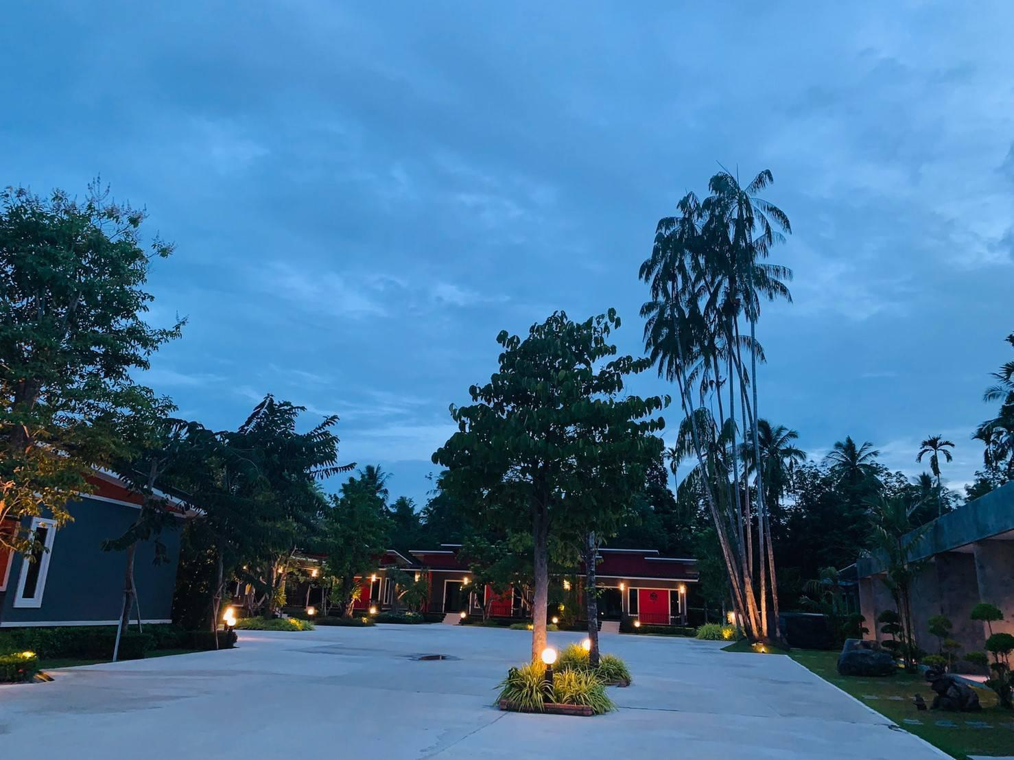 Chang Puak Resort Ronphiboon Nakornsrithamarat ช้างเผือกรีสอร์ต ร่อนพิบูลย์ นครศรีธรรมราช