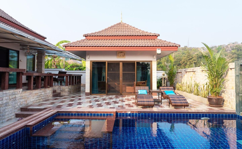 Mojo Premium Pool Villa In Hua Hin  3 +1 BR  *New*
