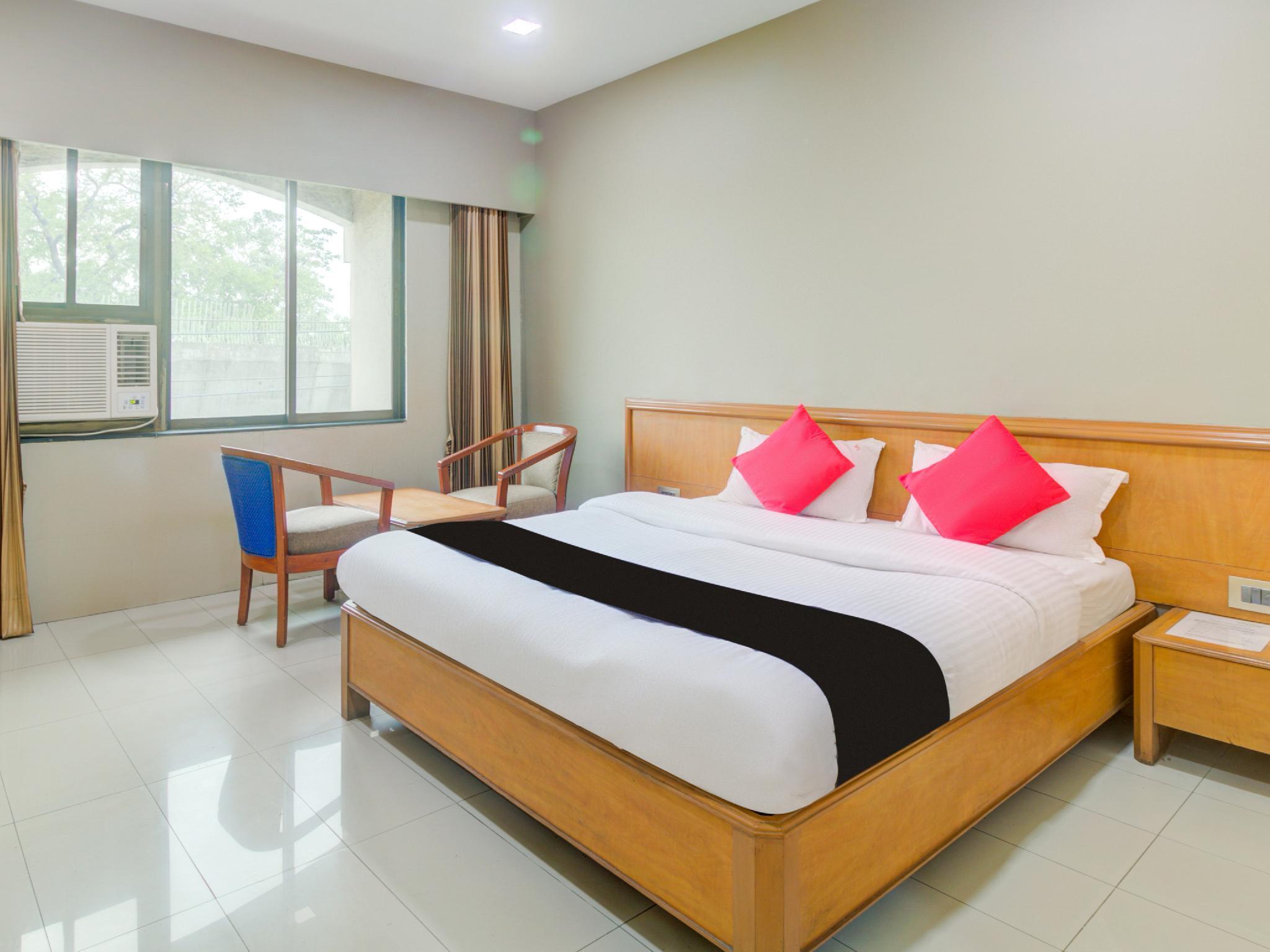 Capital O 45621 Tuliipstays Hotel Ashok Bhiwandi