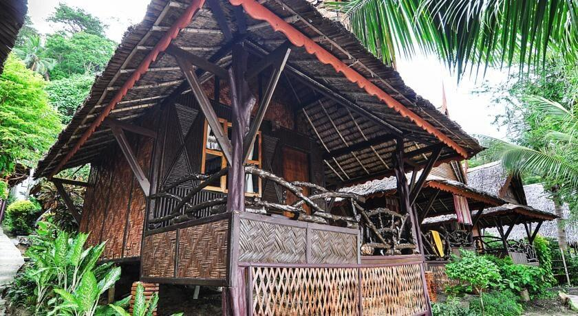 Garden View Bungalow   20 Steps To Beach