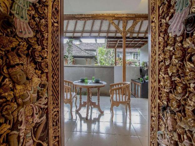 Villa 3# 1 BR Balinese Villa with public pool