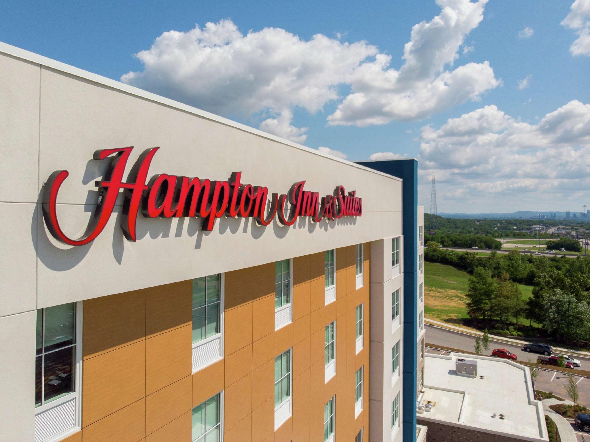 Hampton Inn And Suites By Hilton Nashville North Skyline