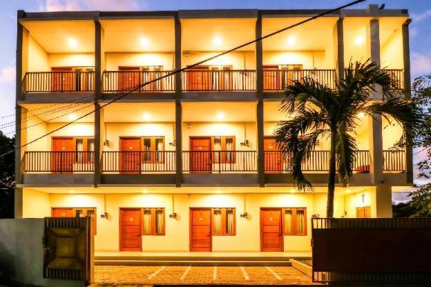 OYO 1200 Kencana Residence