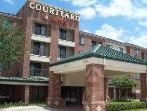 Courtyard By Marriott Dfw South Hotel