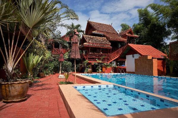 Golden Teak Home Resort Chiang Mai