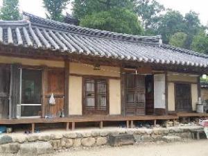 Nakwon Hanok Guesthouse