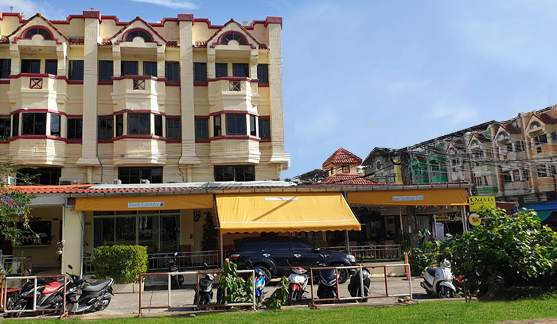 Oasis Hostel And Bar