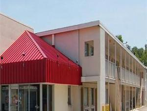Econo Lodge Near Chippenham Hospital Hotel