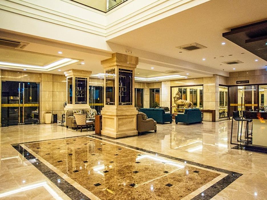 March Hotel มาร์ช โฮเต็ล