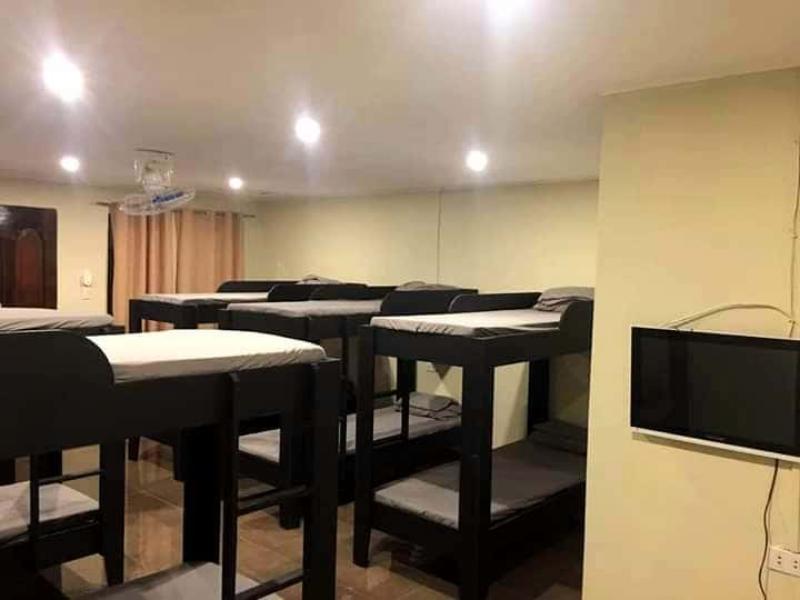 Kuyang's Farm Inn  Barracks Room Good For 12pax