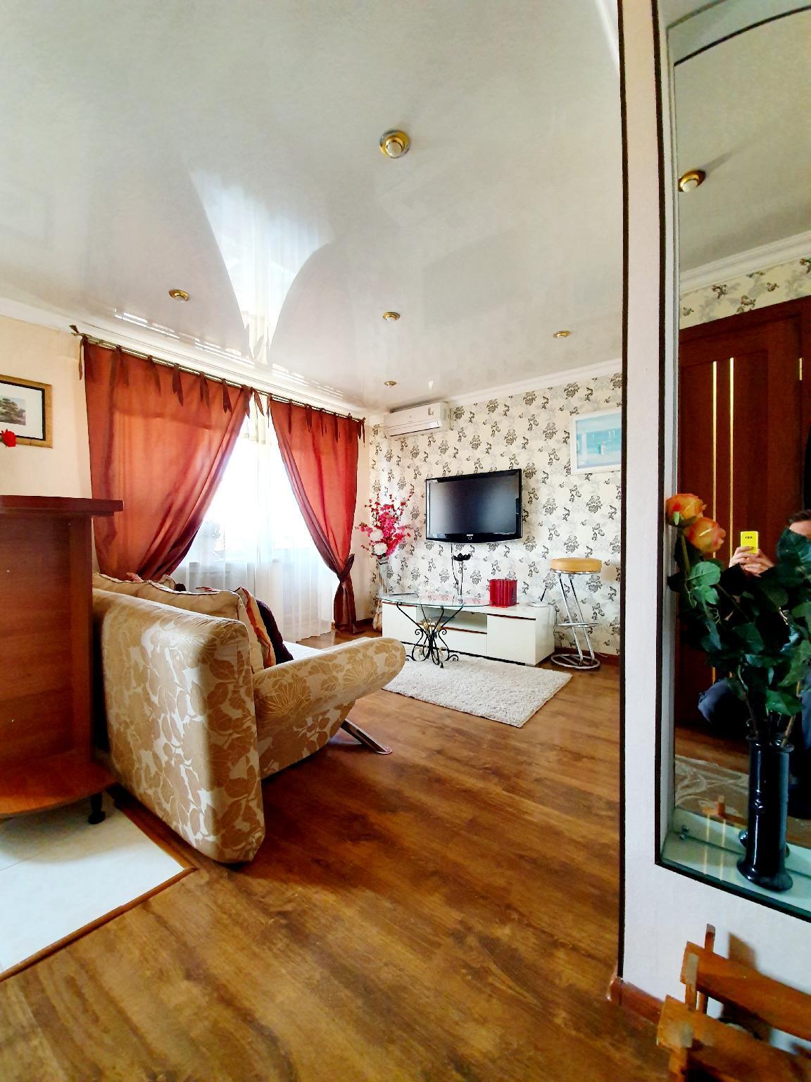 Center Voznesenskaya Luxury Free Wifi