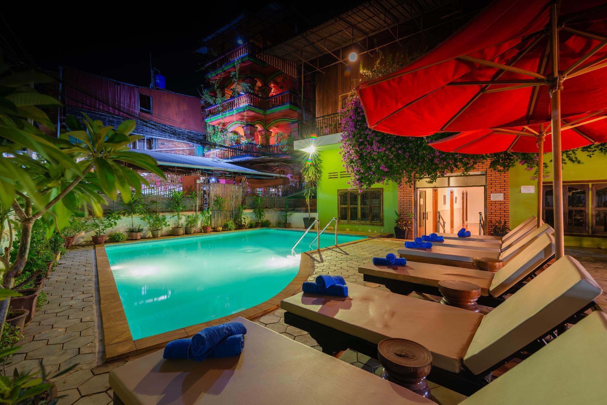 Five Rose Siem Reap Hostel