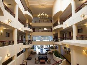 โรงแรมพรีเมียโฮเต็ลรีเจ้นท์ (Premier Hotel Regent)