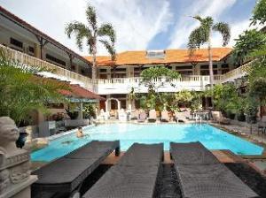 로사니 호텔  (Rosani Hotel)