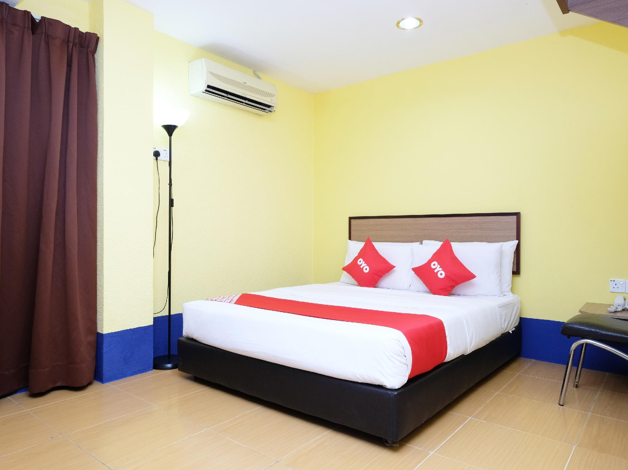 OYO 89352 Golden Terminal Lodge