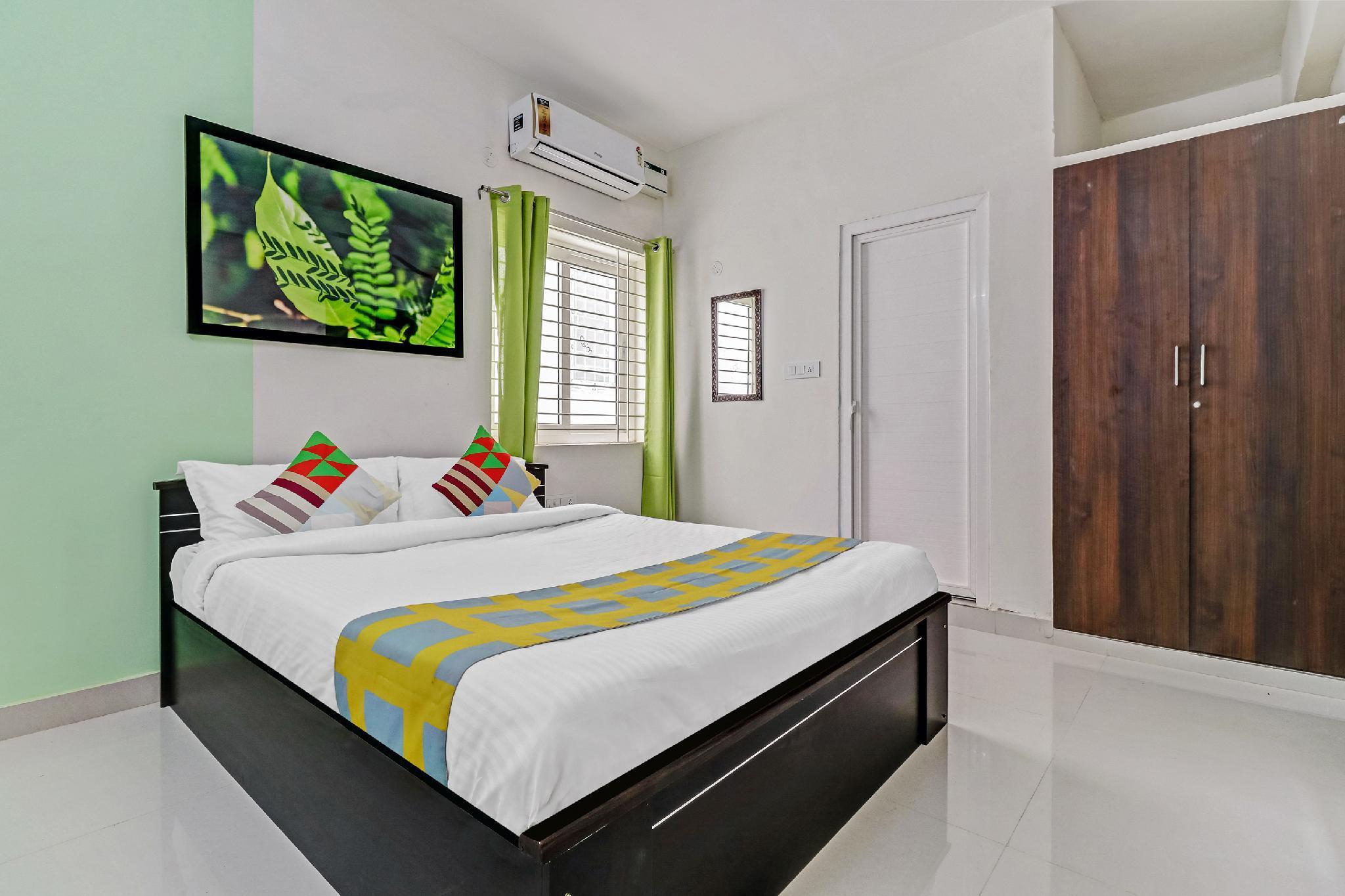 OYO 49993 Luxurious Stay In Chennai