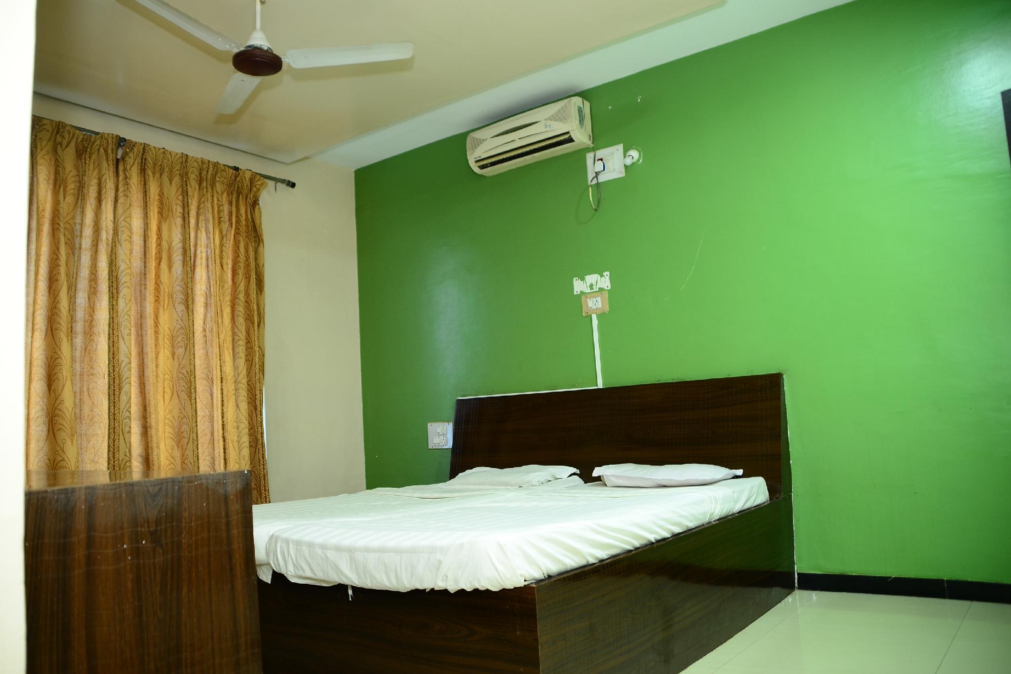 SPOT ON 43712 Bilwa Residency