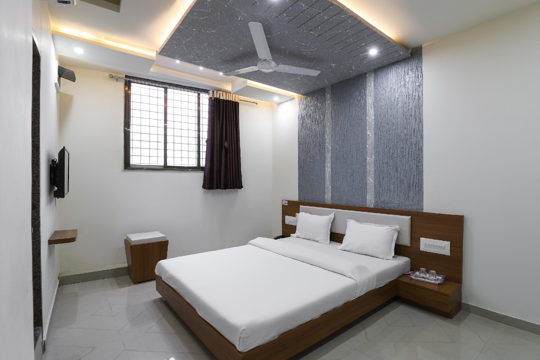 SPOT ON 49393 Hotel New Sarita
