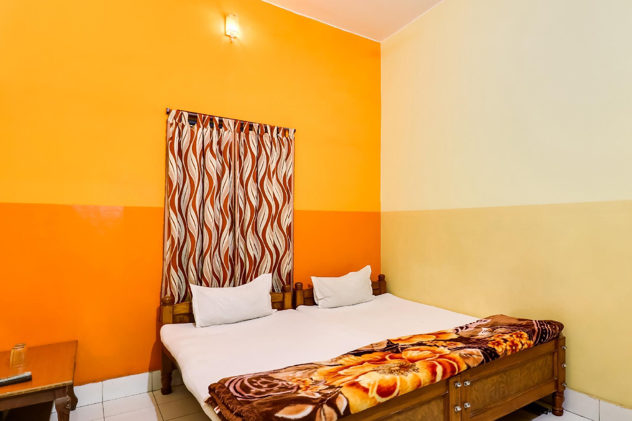 SPOT ON 47916 Hotel Abhinandan