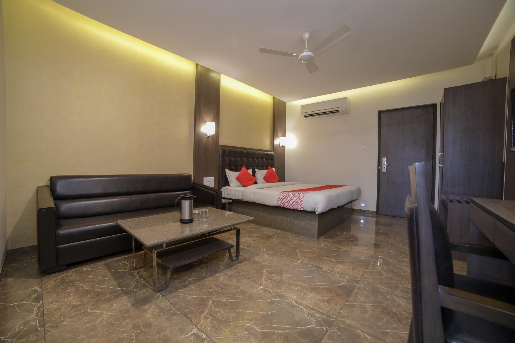 OYO 45640 Hotel Jagannath Deluxe