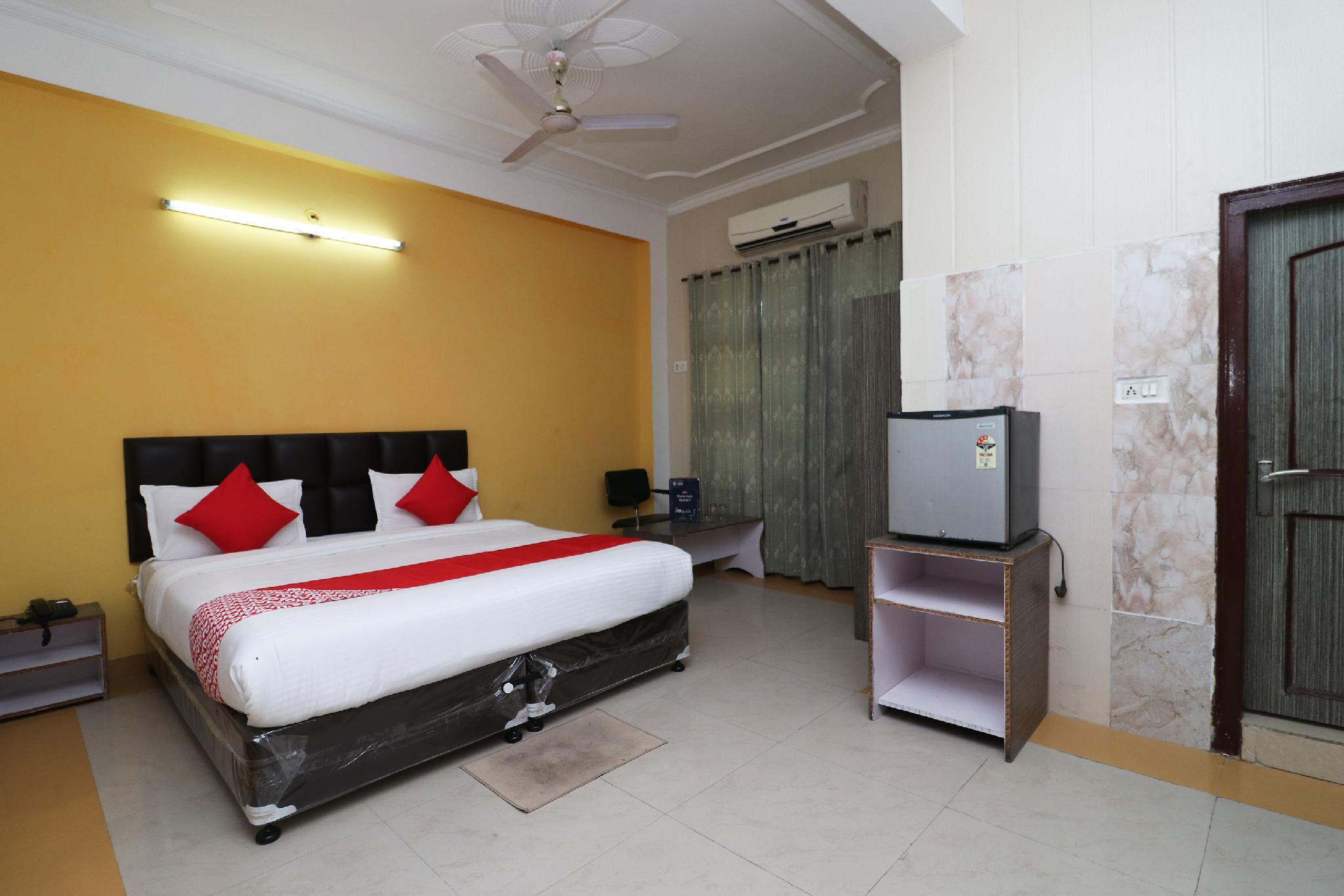 OYO 29997 Hotel Central