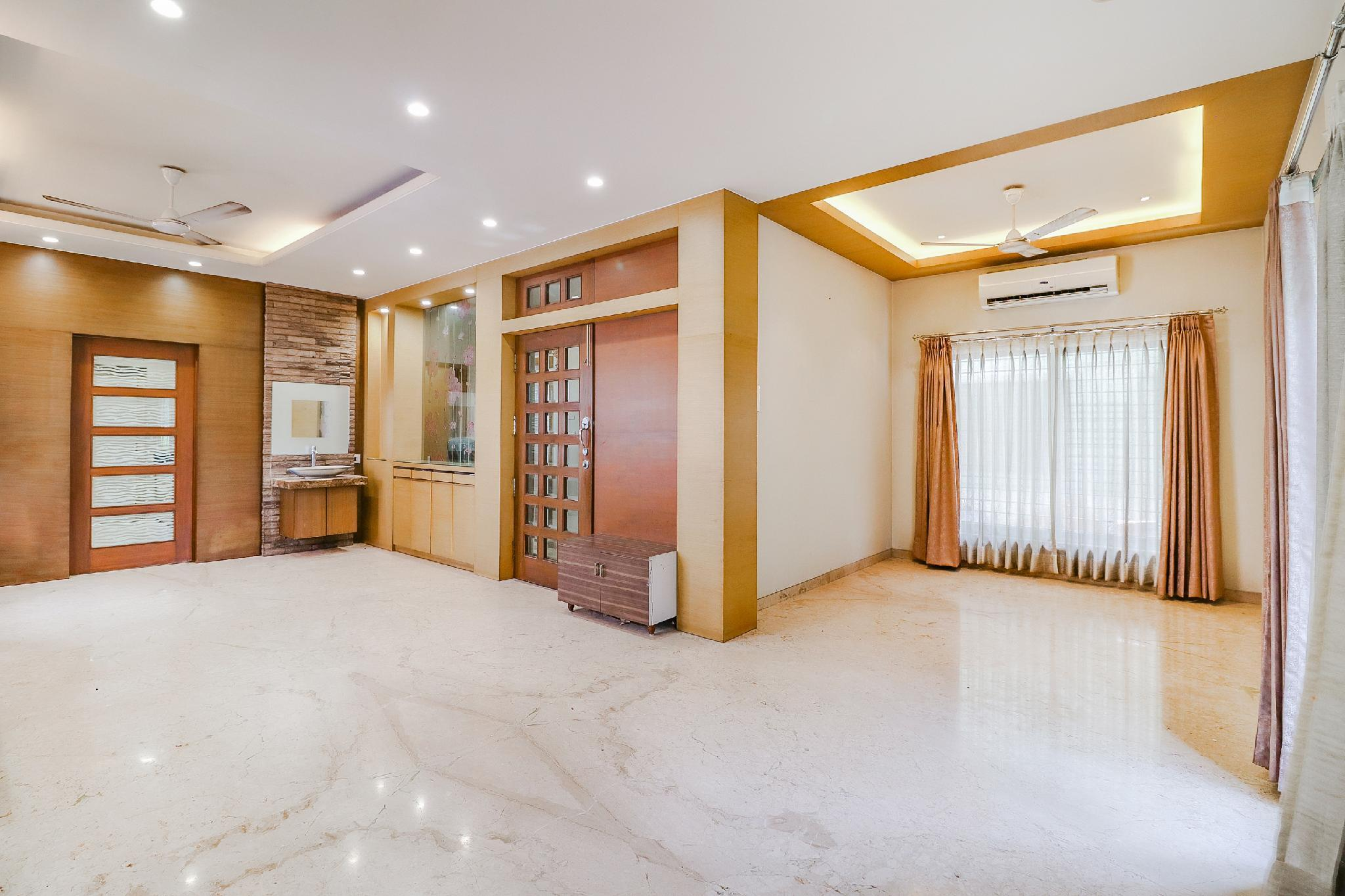 OYO 49254 Spacious Stay In Kolkata