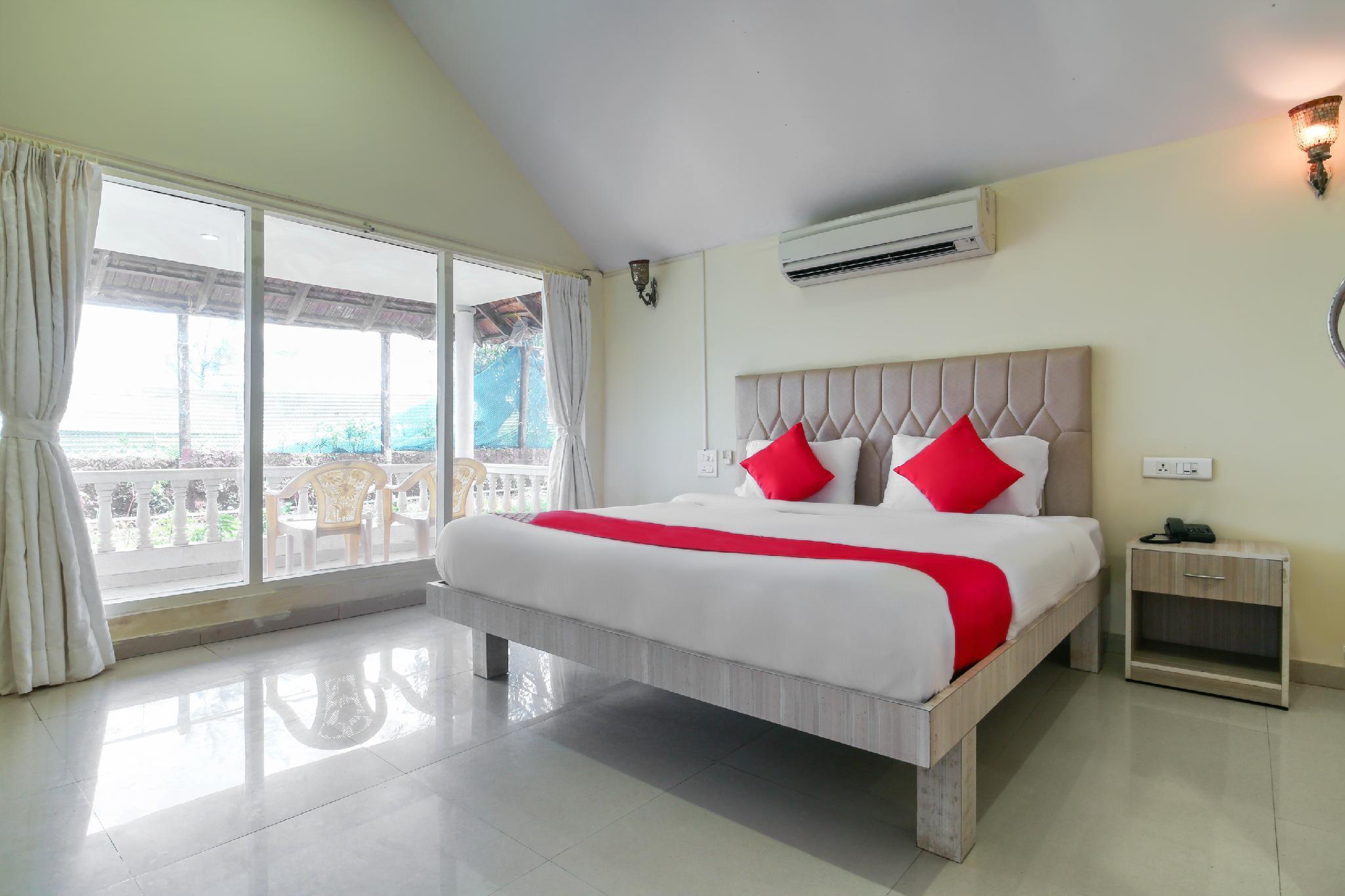OYO 2475 Morjim Holiday Beach Resort