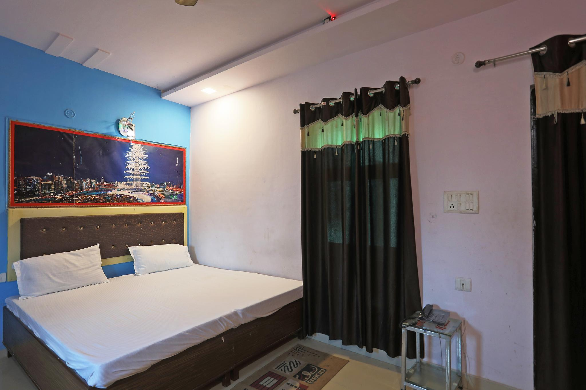 SPOT ON 46526 Hotel Rest House Agra
