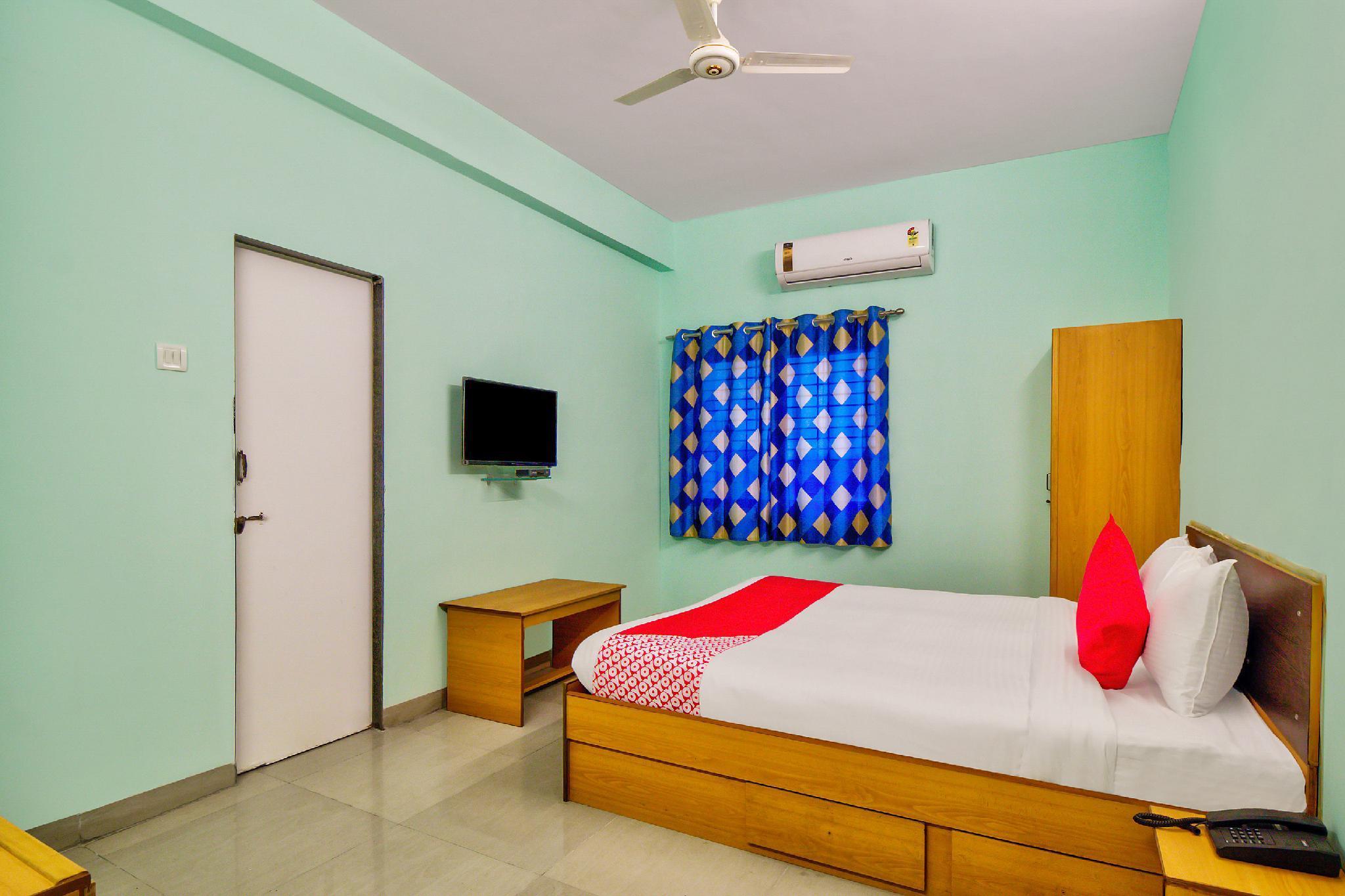 OYO Flagship 29595 Hotel Akash Executive