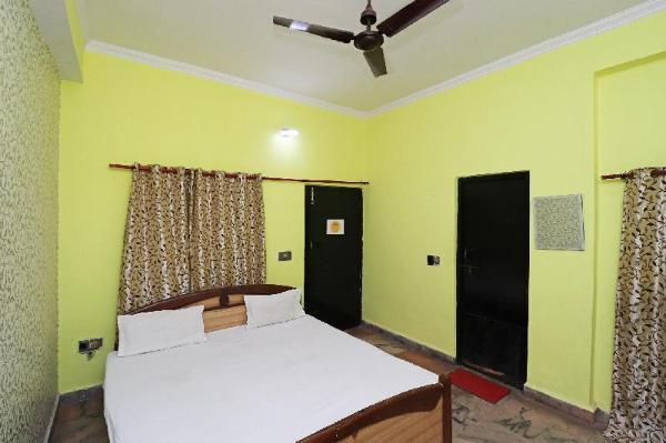 SPOT ON 45487 Hotel Day & Night Jaunpur