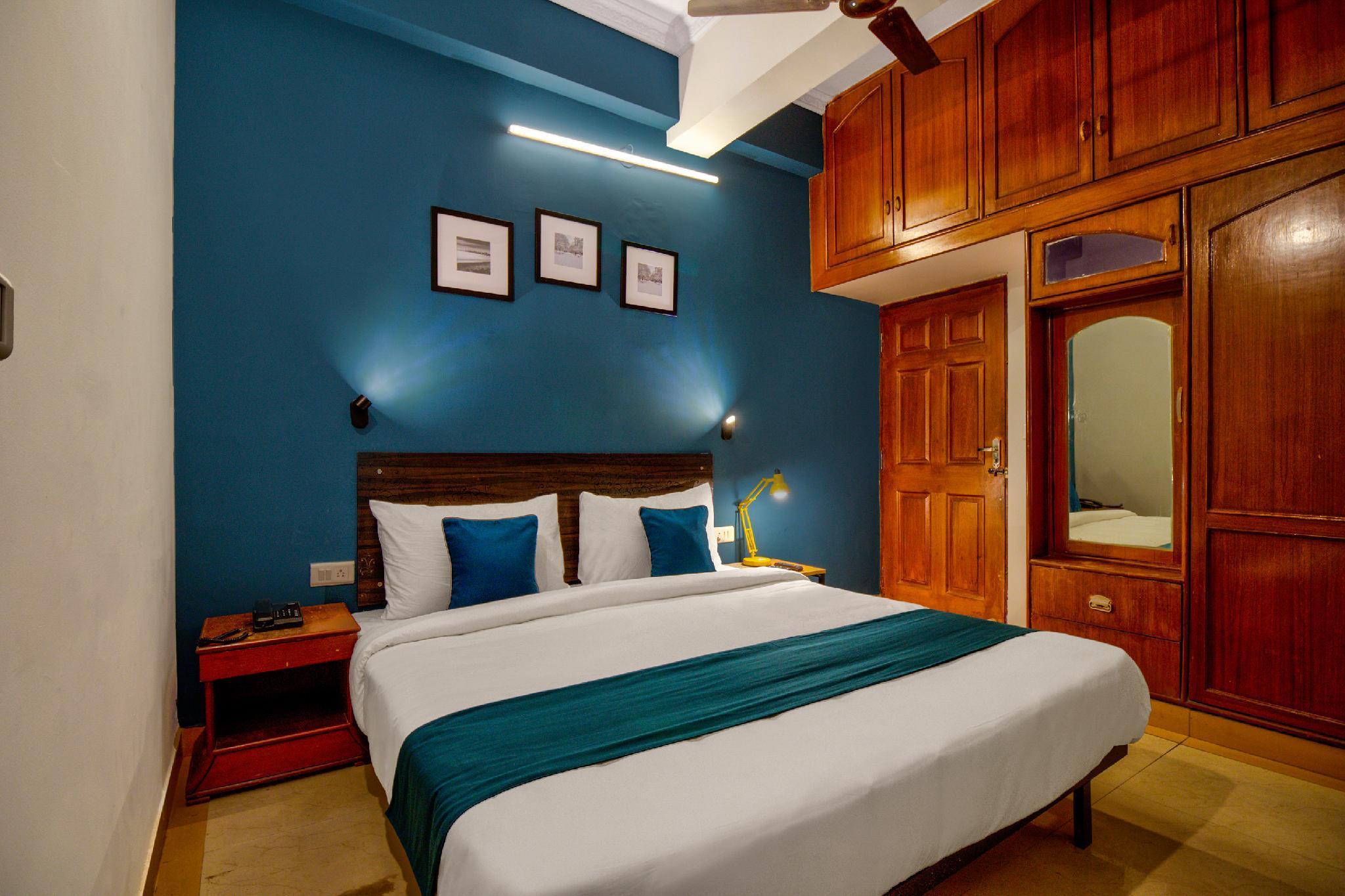 SilverKey Executive Stays 42938 Victorian Comforts