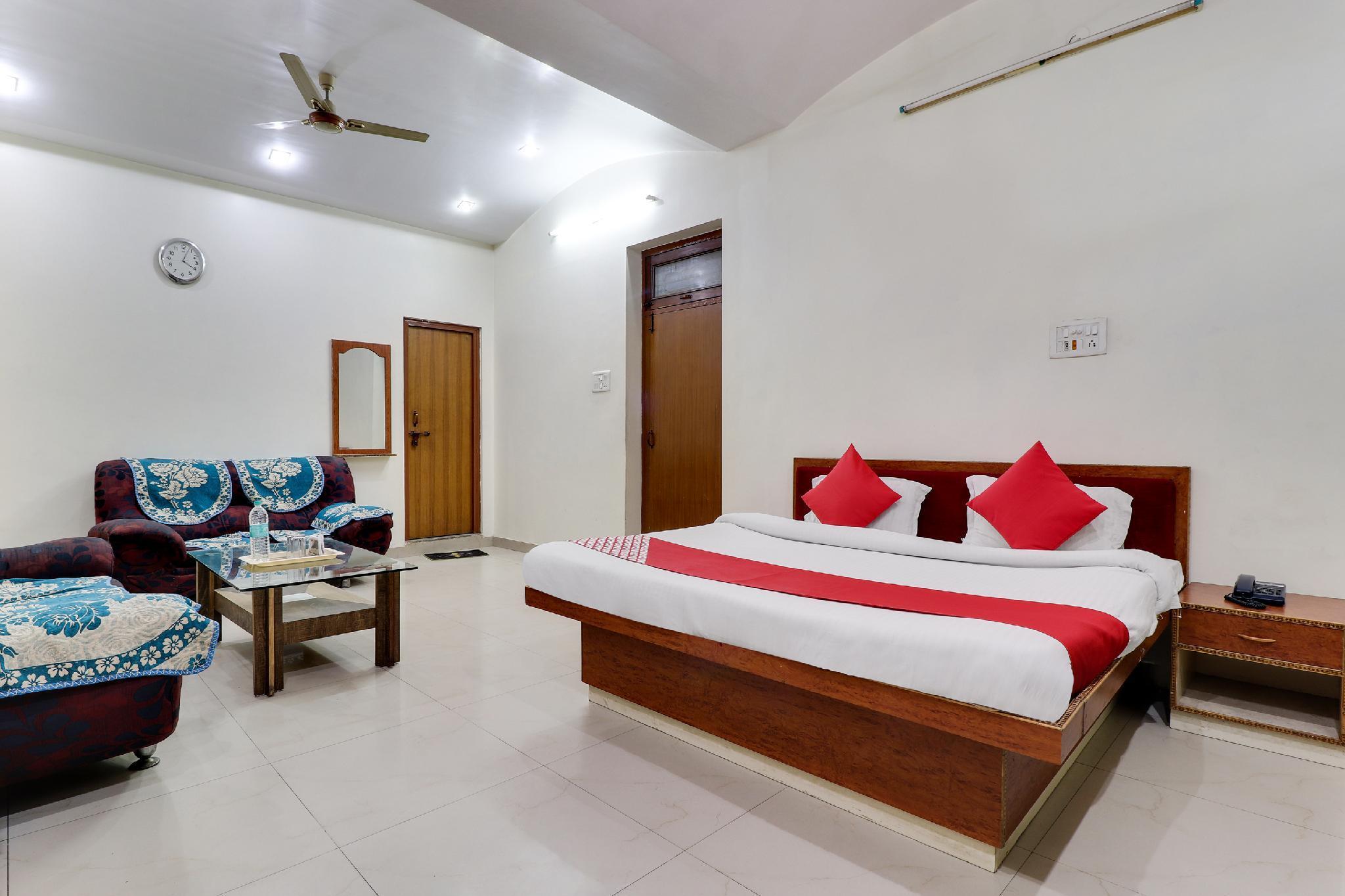 OYO 43936 Hotel Rajputana Palace