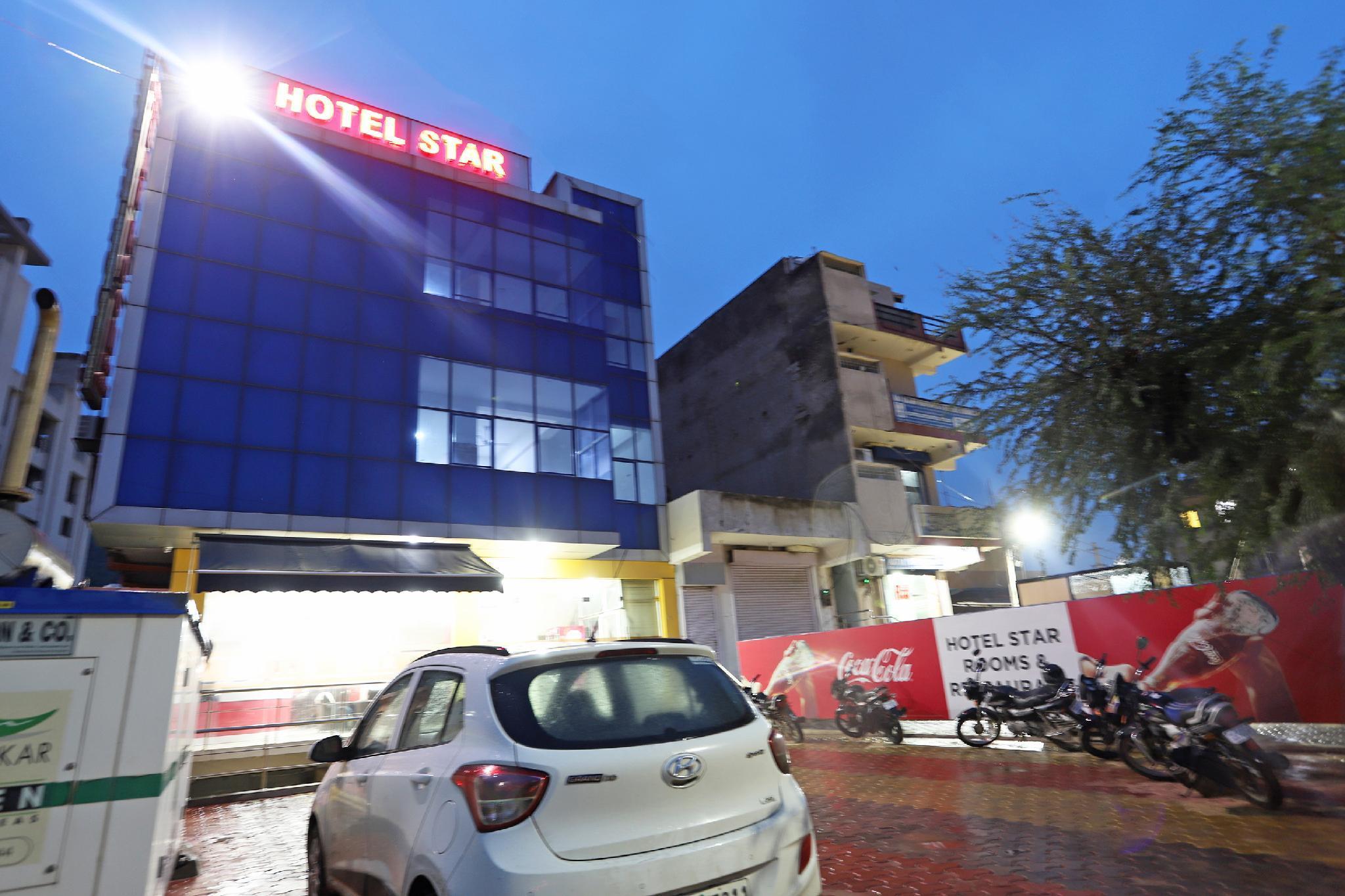 OYO 6137 Hotel Star