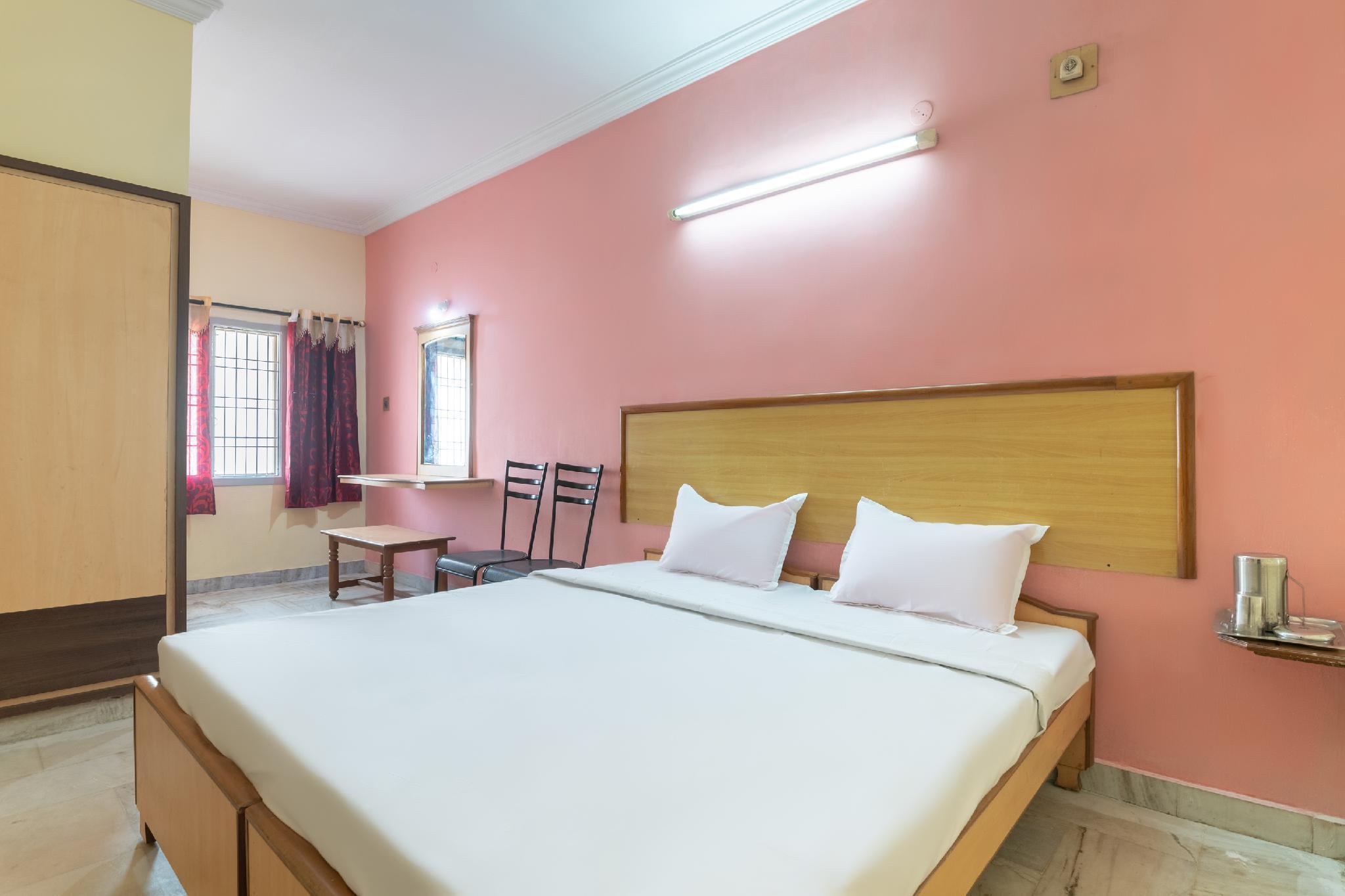SPOT ON 43035 Udupi Sindhuri Inn