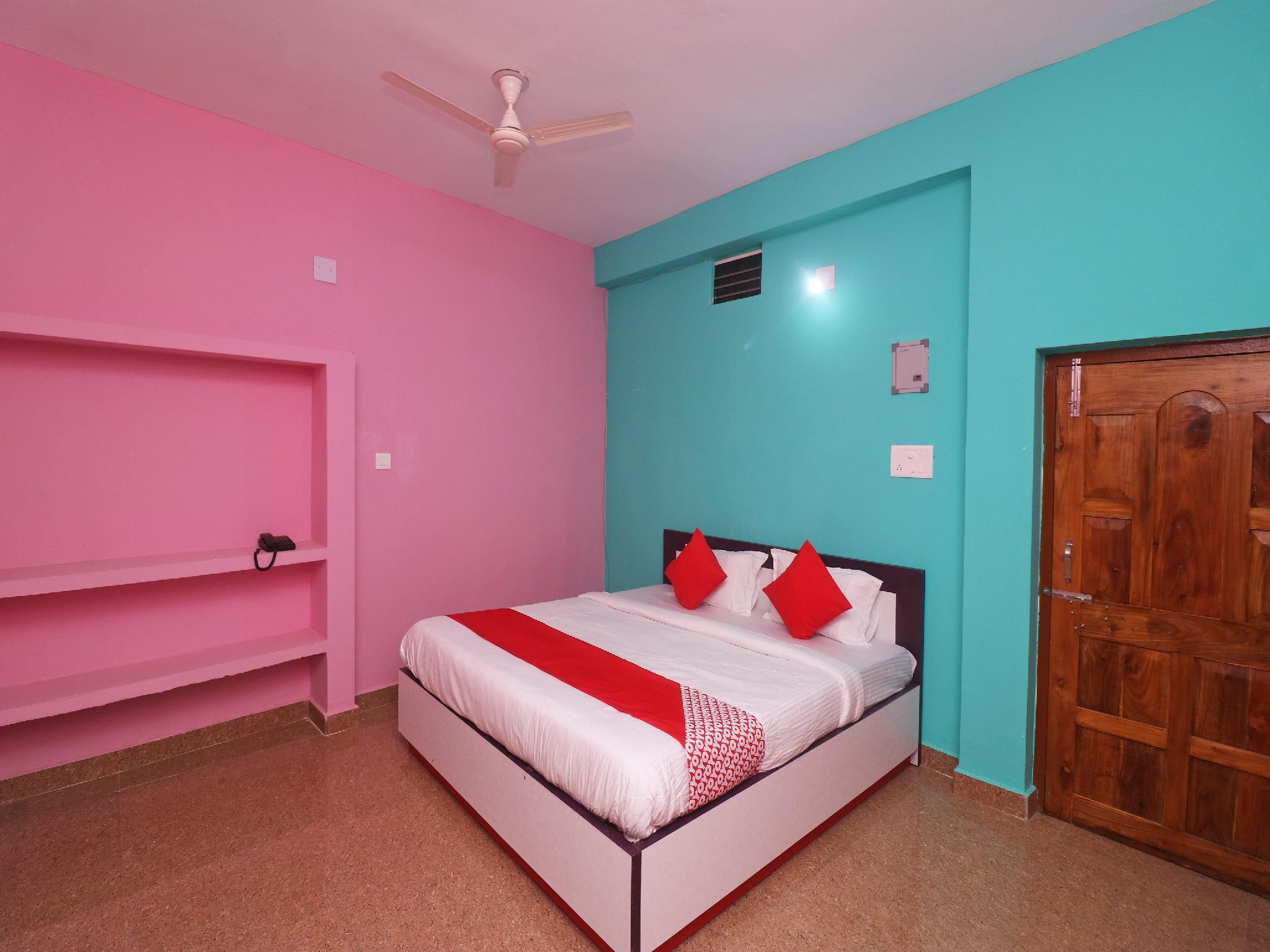 OYO 44227 Hotel Sri Govinda