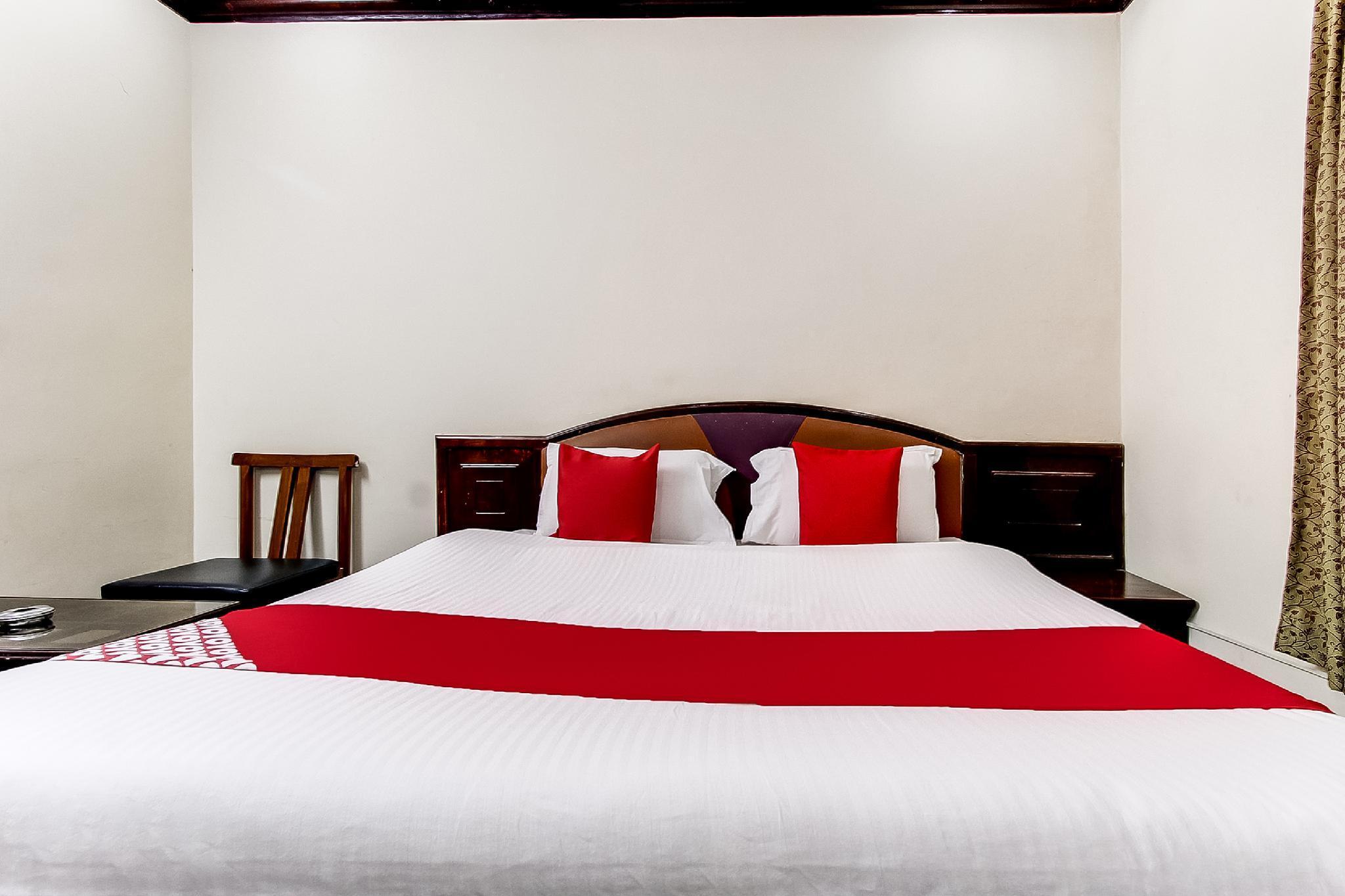 OYO 44308 Parvathi Residency