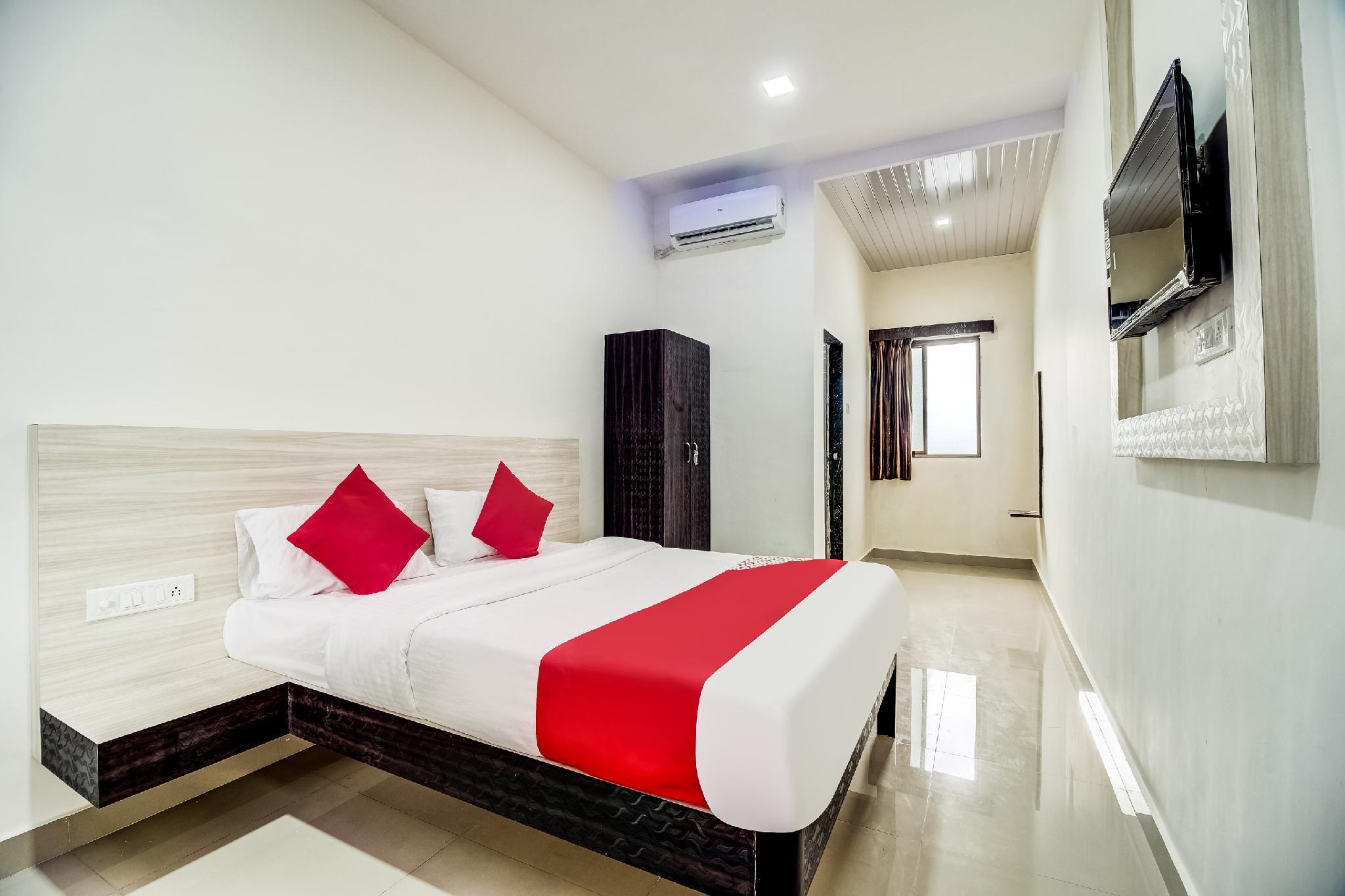 OYO 48165 Hotel Shree Pingara